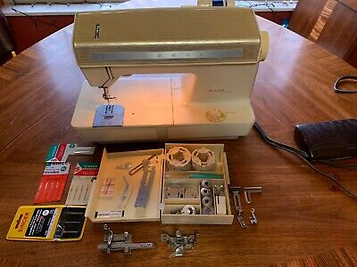 Singer Futura 900 Good Cond W/ Plug-in/Pedal And MANY EXTRAS TESTED and WORKING