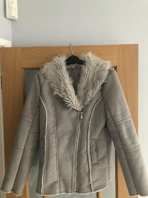 Girls 12-13 yr Grey coat. Gorgeous. Ideal For Christmas