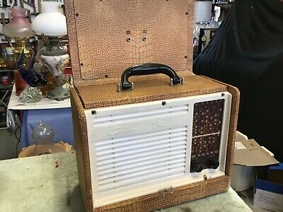 Vintage valve Radio  Healing Golden Voice portable enclosed case