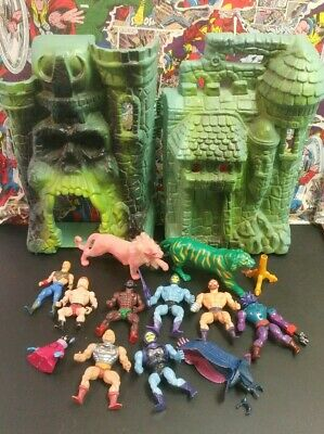 Lot Of Vintage 1980's He-Man Castle Grayskull with Action Figures & Cats MOTU