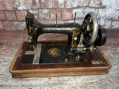 Antique Vintage Champion Of England American Sewing Machine Co Hand Crank