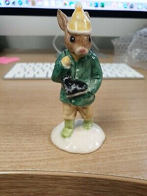 royal doulton bunnykins boy skater rabbit figurine used