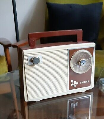 Vintage/Retro 1960s Brown Philips 7 Radio (works well)