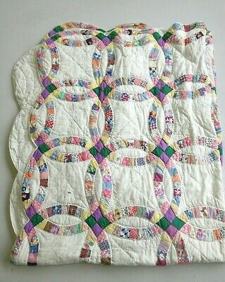 Vintage 30s DOUBLE WEDDING RING QUILT PATCHWORK FEED SACK HAND QUILTED