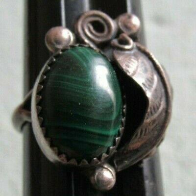 Old Unmarked Native American Silver Green Malachite Agate Turquoise? Ring 7.5