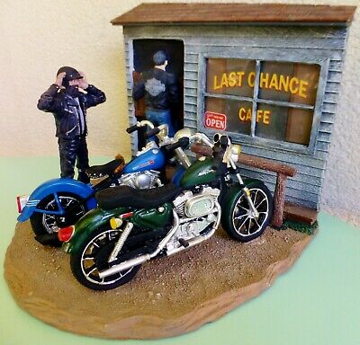 "HARLEY DAVIDSON FIGURINE ""LAST CHANCE CAFE"" US Motorcycles Diorama collector MIB"