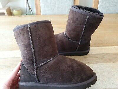 Ugg Classic Short Boots Youth Girls Size Uk2 Eu33 100%Genuine Good Condition
