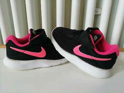 Infant girls nike trainers size 6.5 Black and Pink