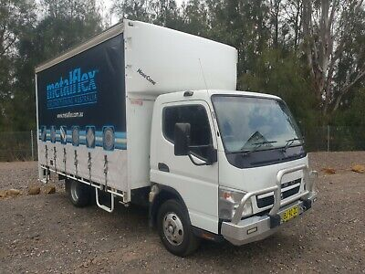 2010 mitsubishi canter FE83 turbo curtainsider 6 pallet car licence truck