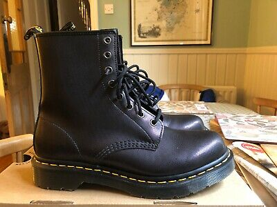 dr martens doc ShinyPurple 1460 Tracer 8 Hole Boots Worn Once Boxed 39 6