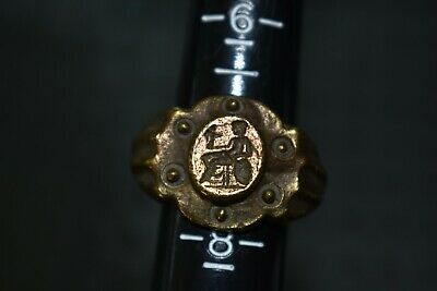 Large Roman Finger Seal Ring With Seated Concordia And Winged Victory