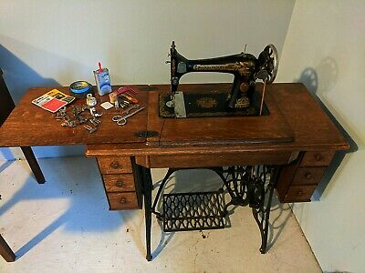 Antique 1910 Singer class 44 Sphinx Treadle Sewing Machine Tiger Cabinet EUC