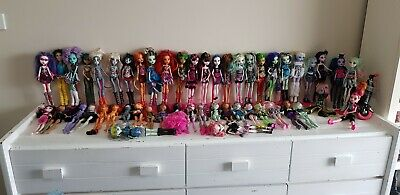 50 Monster High Dolls including Amanita,Draculaura,Rochelle and Honey Swamp!