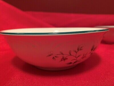 """Set Of 4 Pfaltzgraff Winterberry Christmas 6"""" Soup/Cereal Bowls"""