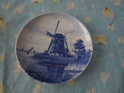 Collector Plate Blue & White Windmill design Delfts & Hollznol 327/18 ??