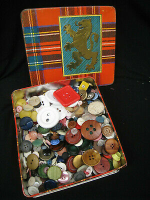 vintage BUTTONS Arnott's TARTAN biscuit TIN 1960s buttons 1970s sewing BUTTONS