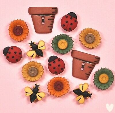 DRESS IT UP Buttons Bugs & Blooms 1226 - Embellishments Flowers
