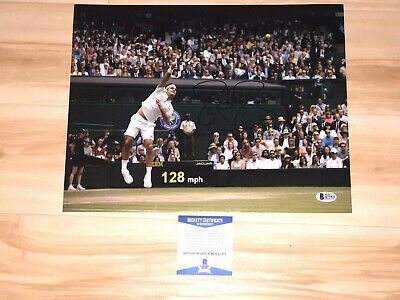 Roger Federer Hand Signed 11x14 Photo Tennis Switzerland Beckett BAS CERT