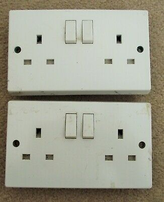 2 white double switched 13a sockets