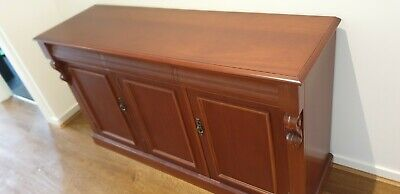 Antique Style Buffet, 3 Drawer 3 Cupboard Solid Timber Excellent Condition