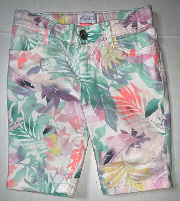 Preowned- The Childrens Place Floral Capris Girls (Size 5)