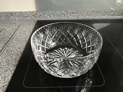 Beautiful ROYAL DOULTON Heavy Cut Glass Crystal Bowl - Lovely Condition