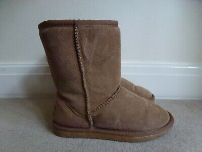 Tan tall classic Ugg boots size 8!