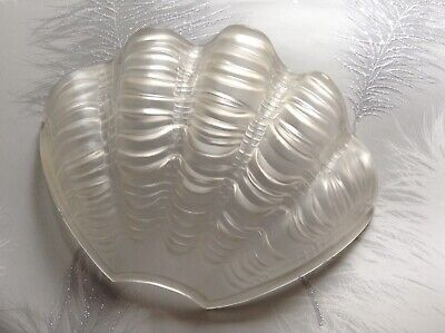 Beautiful Vintage Clear Art Deco Fan Odeon Clam Shell Scalloped Glass Shade !!!