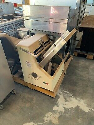 Commercial Bread Slicing Machine