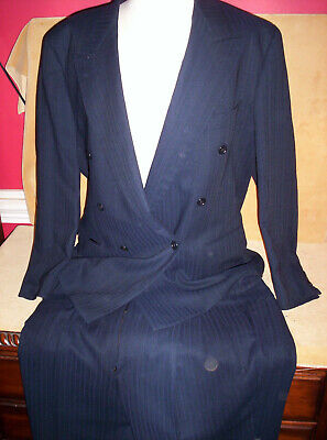 Hugo Boss Navy Pin Stripe Double Breasted Suit 44R Pants 38/31 Pleat Front Sharp