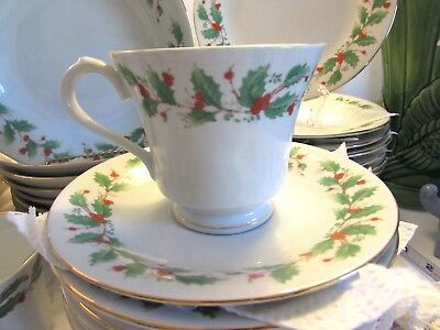 China Pearl  Noel • 3 Cup-Saucer Sets • Holly Berries Christmas Holiday Dishes