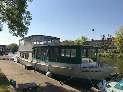 London residential mooring - Spacious widebeam liveaboard houseboat barge dutch