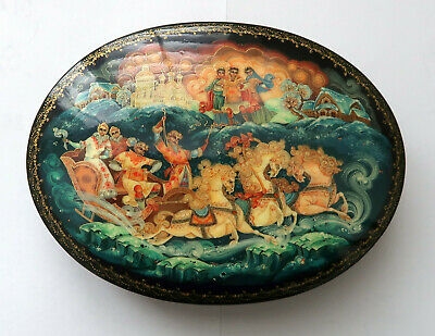 Outstanding Handpainted Oval Russian Box from Palekh, Winter Troika, Signed