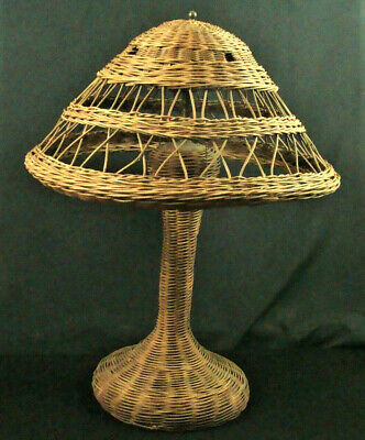 Vintage Antique Natural Wicker Shabby Adirondack Table Lamp Double Socket