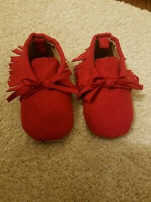Old Navy Infant Girls Soft Sole Shoes brand new size 3-6 months red holiday