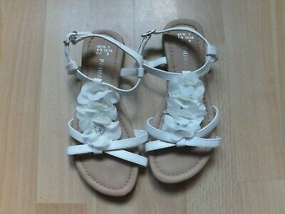ONLY WORN ONCE!  Girls white strappy sandals.   Size 1.