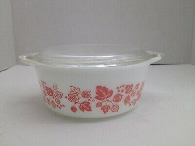 Vintage Pyrex Pink Gooseberry 472 1 1/2 Pint Covered Casserole