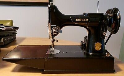 Vintage 1947 Singer Featherweight Sewing Machine Model 221 Serial #AH065843