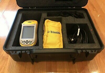 TRIMBLE GEO XT 2005 SERIES w/ Charging Base, Case and Cords