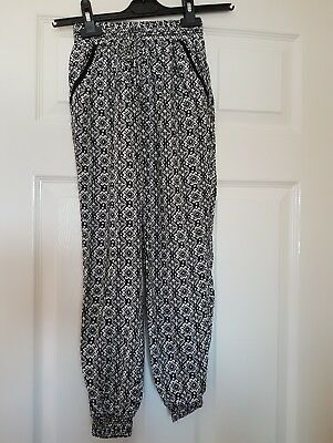 Girls Y.D. Black/White Patterned Trousers Age 8/9