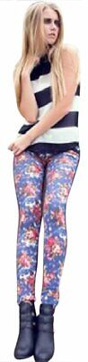 Lady's Monterey Jegging with Flower Prints in the Front and Rhinestones Pocket A