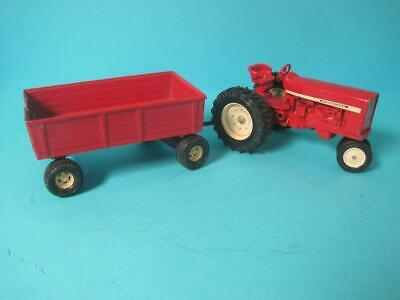 Vintage Ertl International Tractor Barge Wagon Opening Gate 1/16 Scale #479 Red