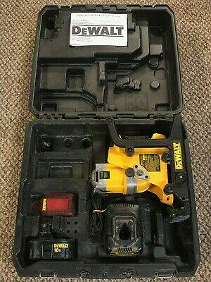 Dewalt DW073 Cordless Rotary Laser Level with battery, charger and case