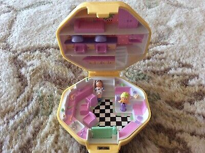 vintage POLLY POCKET polly's Hairdressing Hair Dressing Salon WITH 2 DOLLS