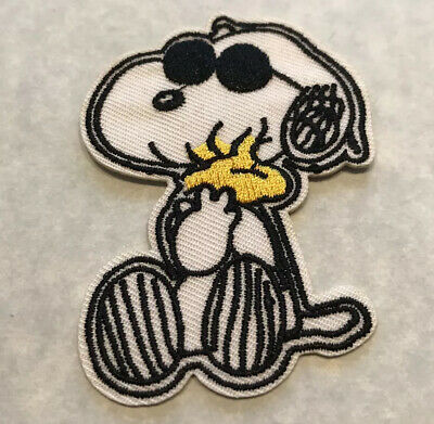 "Snoopy""Joe Cool"" Holding Woodstock Embroidered Patch Sew/Iron On 2nd Quality"