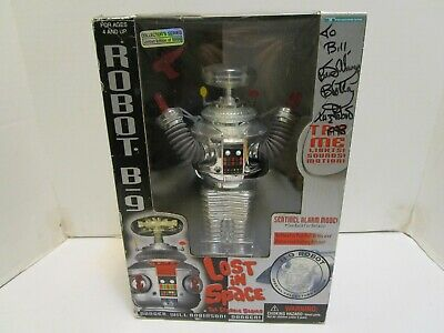 1997 Lost In Space B9 Chrome Robot Trendmasters W/Red Pistol ***Nib***