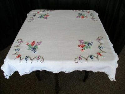 VINTAGE TABLECLOTH HAND EMBROIDERED FLORALS with LACE TRIM