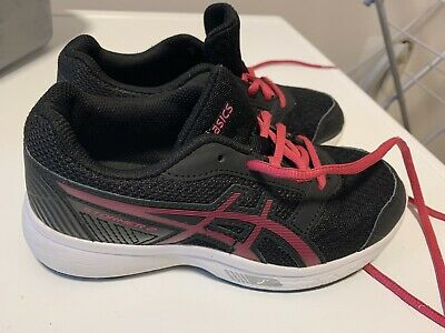 Asics kids trainers boys girls size 13UK Euro 32.5