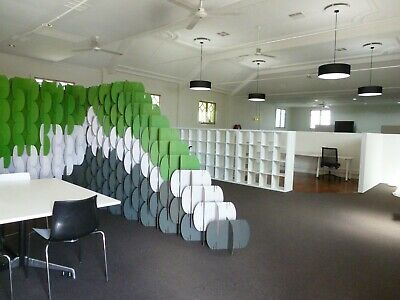 Karton flexi-wall recycled modular cardboard room divider or office wall