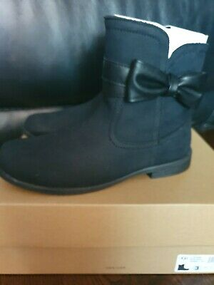 Genuine Brand New Girls Uggs, UK Size 2